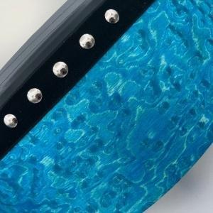 CurlyWood blau